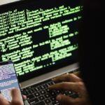 FluBot, el virus que ataca mediante SMS: Cómo funciona y consejos para evitar infectarse